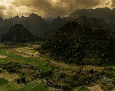 (English) Stunning Vang Vieng
