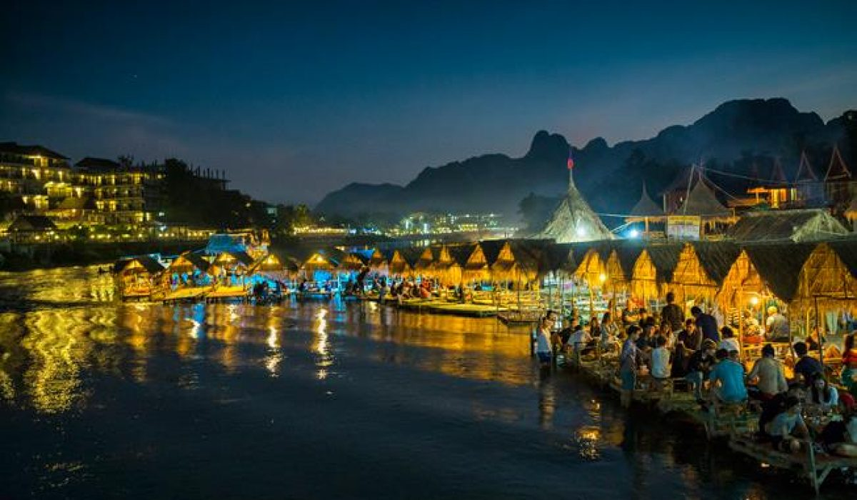 (English) 48 Hours in Vang Vieng