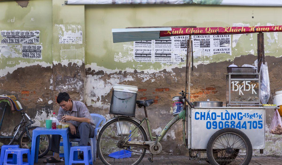 (English) HO CHI MINH CITY – On The Move